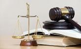 rechtershamer, wetboek en weegschaal